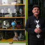 میزبانی از ۸ هزار گردشگر خارجی توسط پیرمرد تعمیرکار تبریزی در مغازه ۷ متری